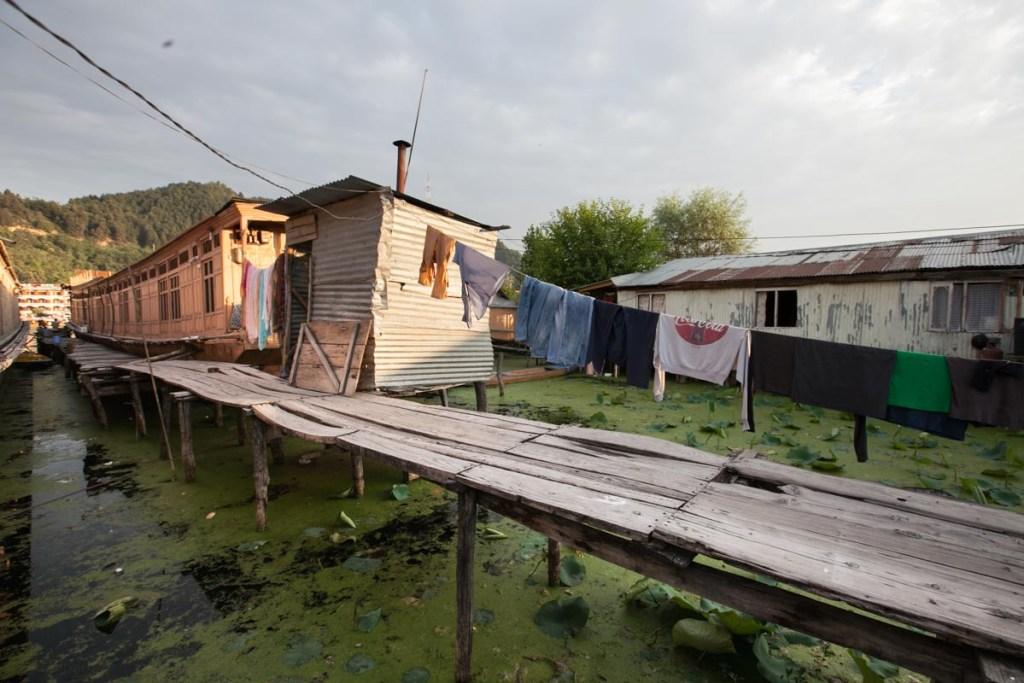 Dongolas House on Dal Lake in Kashmir © Nelson Guda 2019