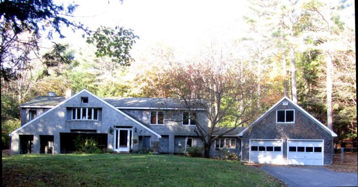 74 Watson road Exeter NH Front View