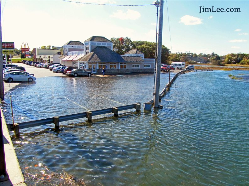 "The Bratskellar restaurant in Portsmouth NH during 2014 ""King Tide"""
