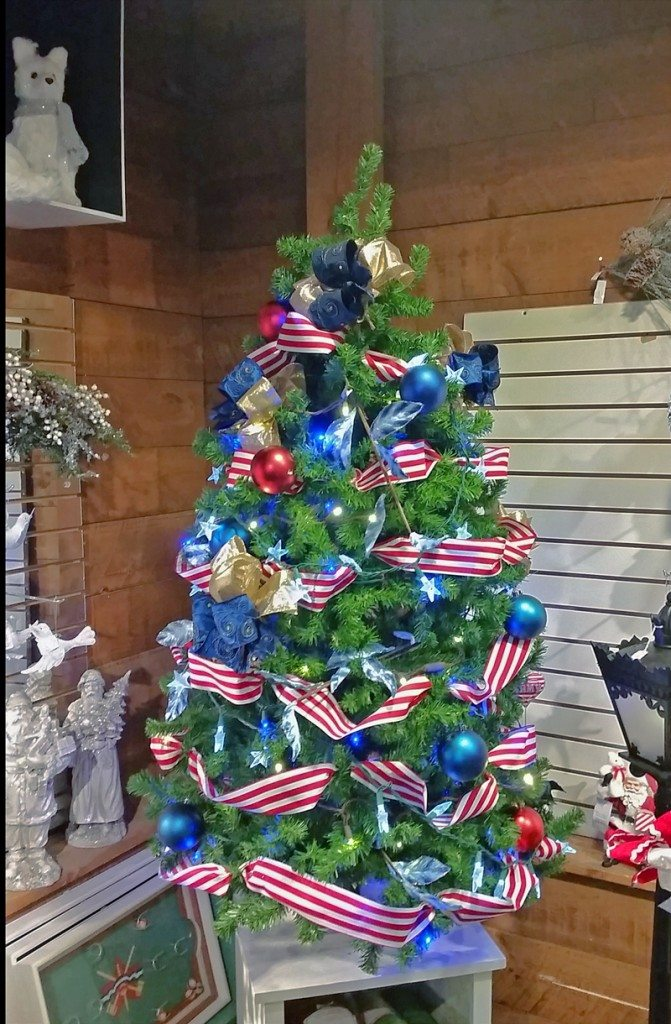 Patriotic Christmas tree at the Christmas Dove in Barrington NH
