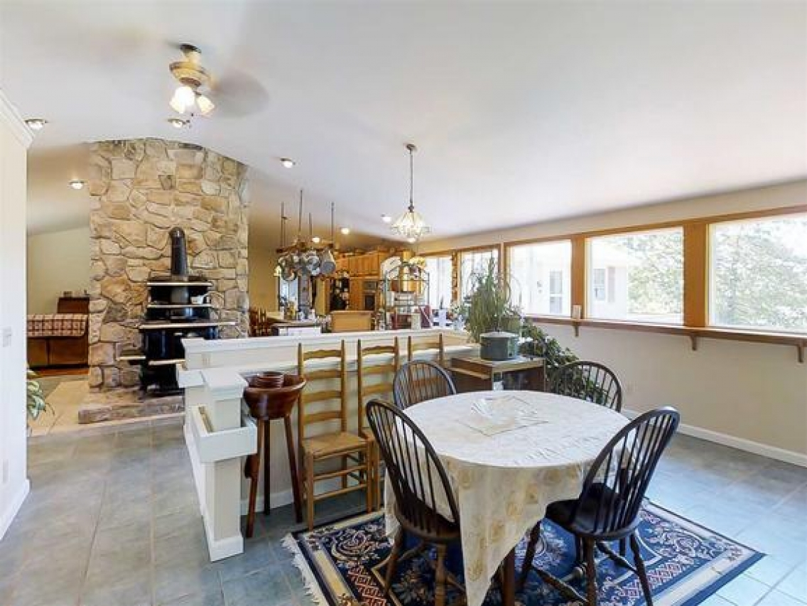 wide open floorplan in 21 homestead way lebanon me