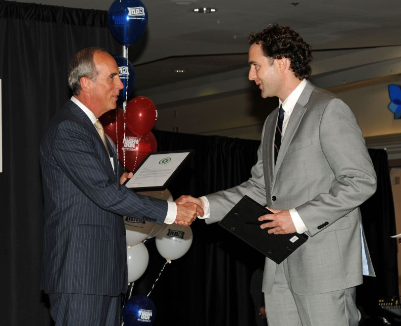 Adrian Fine recognizes Mayor Sandy Stimpson for his exemplary use of Nextdoor in Mobile.