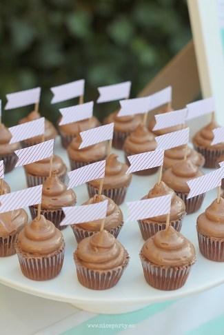 Nice Party 30 cumpleaños mint y rojo cupcakes