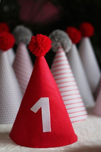 NiceParty Cumpleaños del coche rojo decoración gorritos de papel