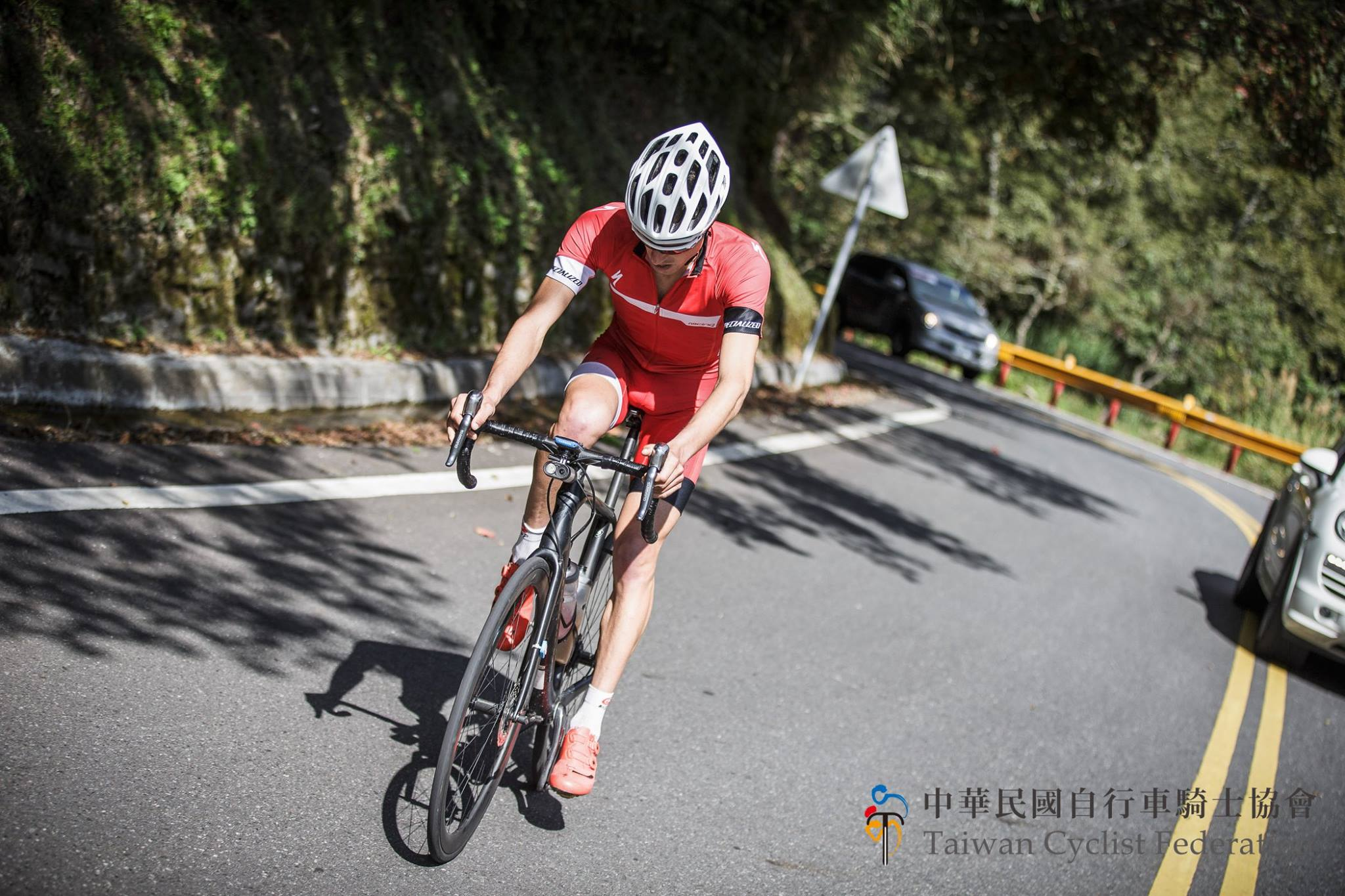 taiwankomchallenge-adriansmith-nicolasraybaud-specialized-cyclist-2015-racing