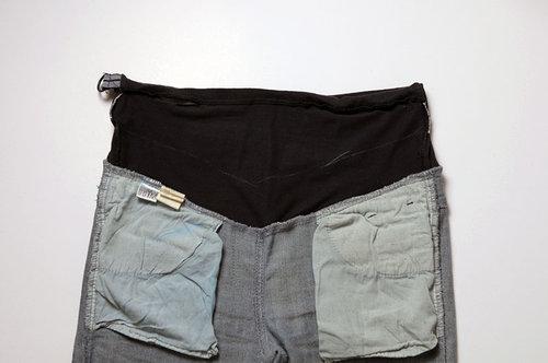 步驟2:褲子翻到背面,要把上面多餘的布減掉,如果鬆緊帶是2cm就留5cm的布,5cm怎麼算的,就是要把鬆緊帶包起來,鬆緊帶有正反面還有縫份,就是2+2+1(縫份)=5,所以如果你找的鬆緊帶是3cm的,就是3+3+1(縫份)=7。先把要預留的布畫好。