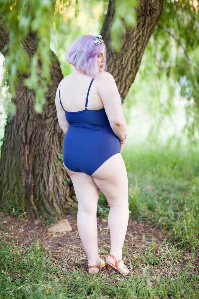 Grande taille, modavista, ninaah bulles, grande taille, maillot de bain, retro pinup, valise d'été, style positive, bodypositive, blogeuse curvy française, ronde