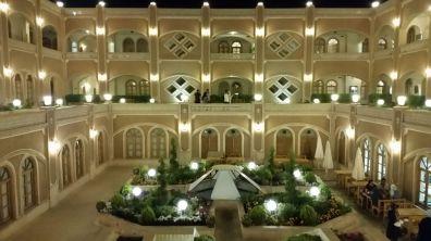 Innenhof des Hotels Dad in Yazd