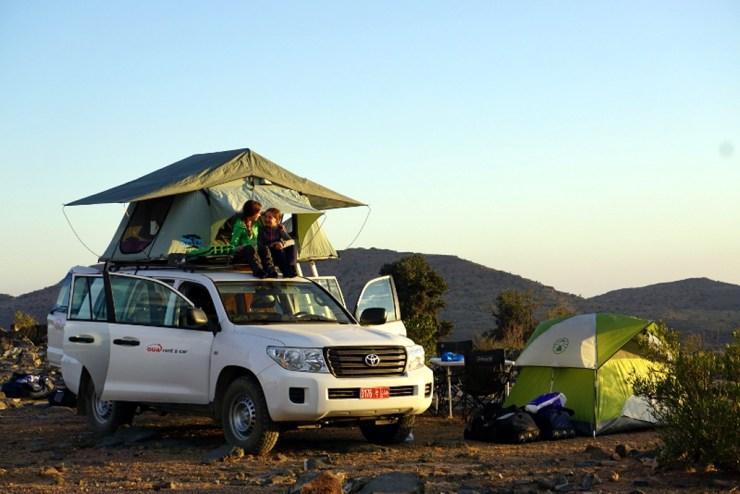 Oman Toyota Landcruiser mmit Dachzelt von nomad