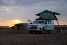 Oman Dachzelt 2016 Dachzelt aufgebaut Sonnenuntergang