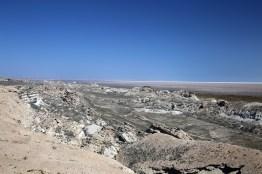 Blick vom Ustjurtplateau mit dem Aralsee im Hintergrund