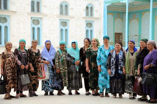 Frauengruppe in Buchara