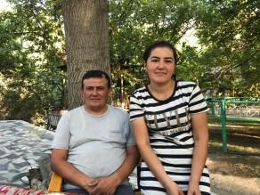 Shodiboy mit seine Frau