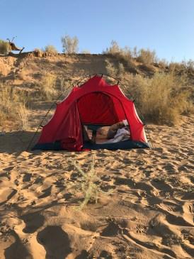 Zeltübernachtung neben Aydar Kul See