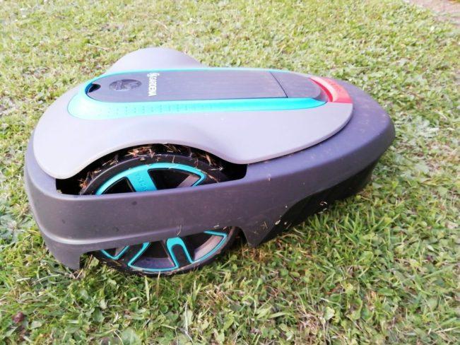 12 Gardena – Présentation du robot tondeuse connecté Smart Sileno City 500