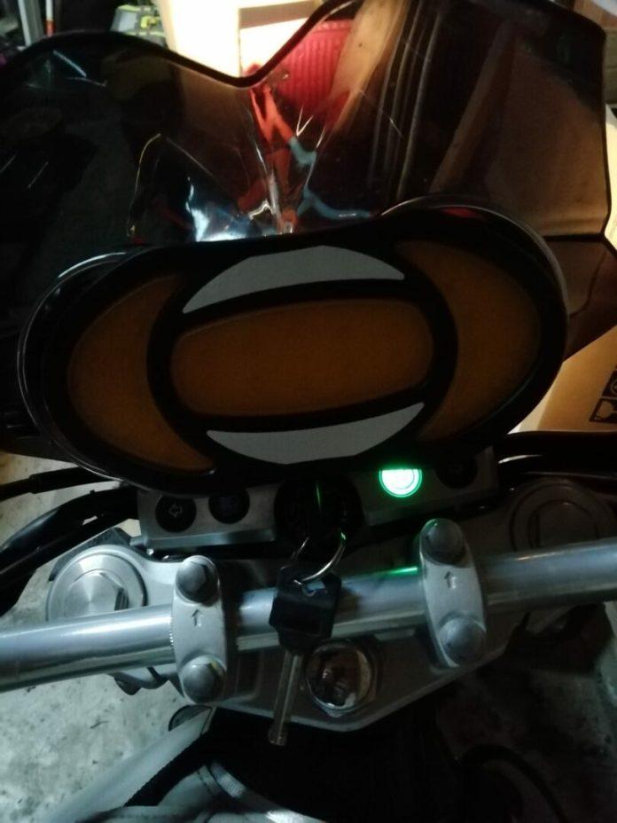 16-1-750x1000 Présentation du Clic Light, un indispensable pour les motards et les deux roues en général