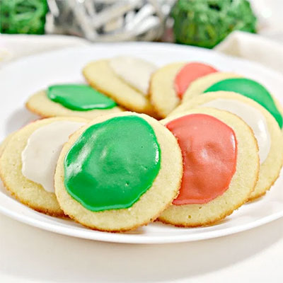 An image of keto Christmas cookies —a keto dessert recipe for the holidays the whole family will love