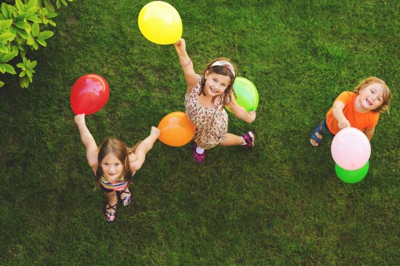 zabawa z balonami