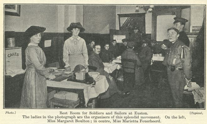 Volunteers at Euston Station serving refreshments to soldier's c. 1915