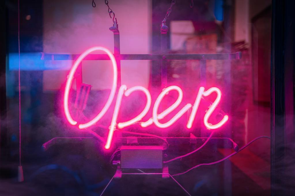Open Banking, el sistema que puede cambiar el mercado financiero. Foto: Alex Knight/ Unsplash.