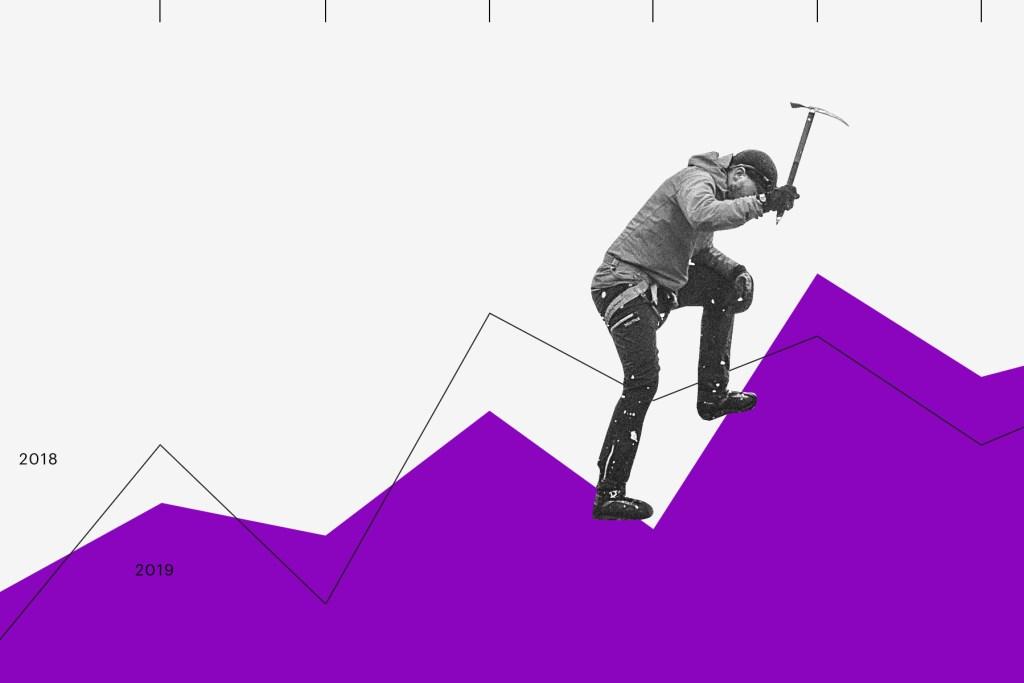 Colagem em preto, branco e roxo de um gráfico que é escalado por um alpinista, fazendo alusão a uma montanha.