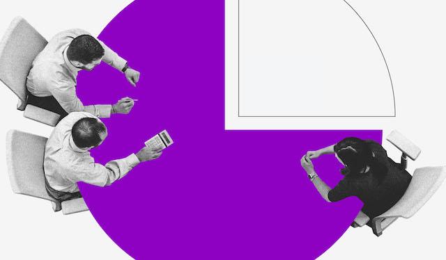 ilustração vista de cima de duas pessoas sentadas ao redor de uma mesa roxa