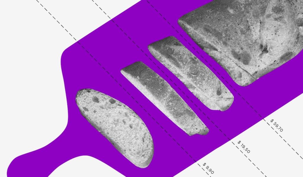 Consumo consciente: Uma tábua roxa com um pão cortado em pedaços