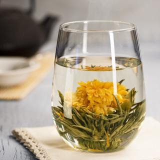 flowering tea in cup