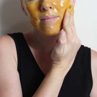 Golden Turmeric Face Mask