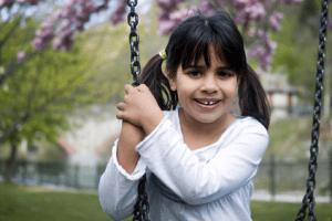 cum-sa-ajuti-un-copil-sa-faca-miscare