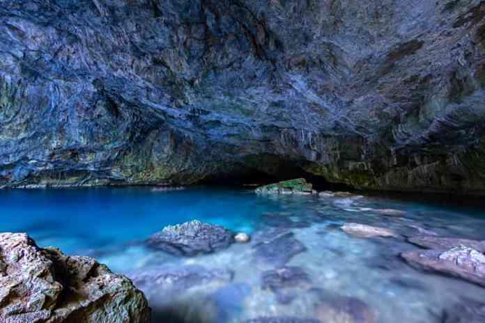 zeus mağarası kuşadası