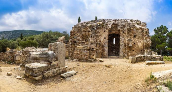 Kaisariani Manastırı