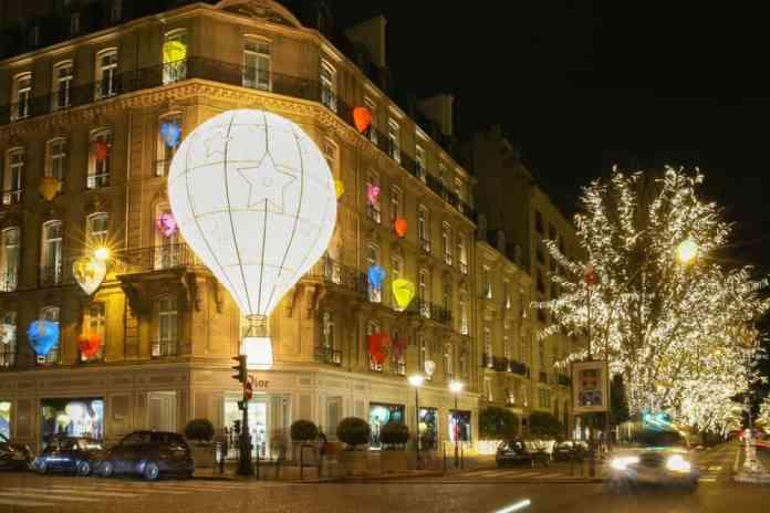 Montaigne Caddesi, Paris, Fransa
