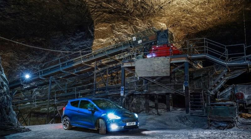 El Ford Fiesta ST en una mina de sal