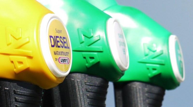 La subida del diésel costará 3,3 euros al mes, según Hacienda