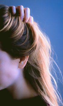 Jak dobrze odżywić swoje włosy