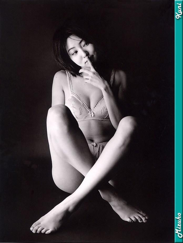 Japanese-gravure-idol-Mizuho-Nakamura-www.ohfree.net-006 Japanese gravure idol Mizuho Nakamura 中村みづほ nude photos