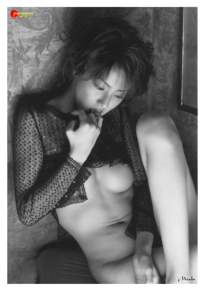 Japanese-gravure-idol-Mizuho-Nakamura-www.ohfree.net-010 Japanese gravure idol Mizuho Nakamura 中村みづほ nude photos
