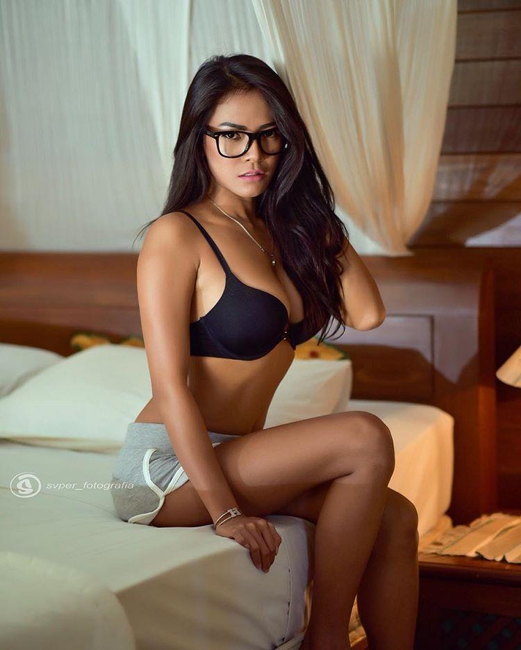 Indonesian-model-Bella-Chan-by-ohfree.net-38 Indonesian model Bella Chan nude sexy photos leaked