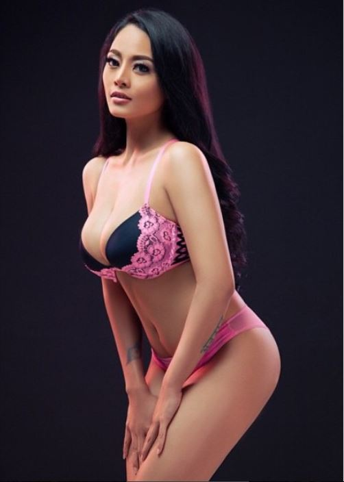 Aprilla-Vigee-nude-sexy-009-by-ohfree.net_ Indonesian model Aprilla Vigee nude sexy photos leaked