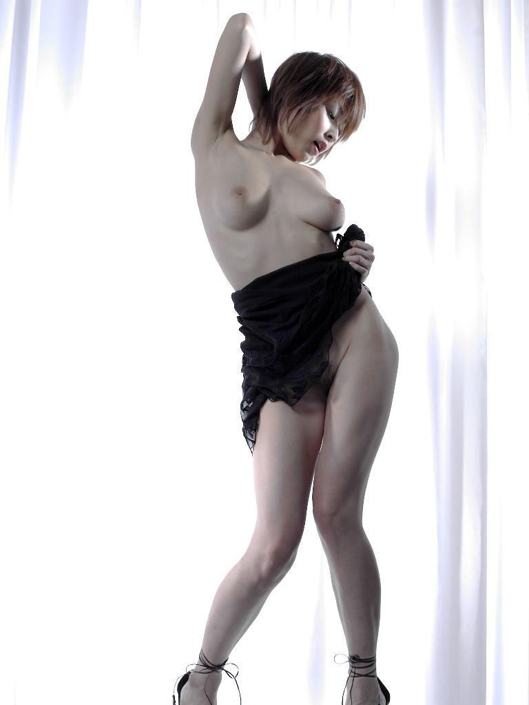 Former-AV-idol-Nana-Natsume-nude-008-by-ohfree.net_ Japanese film actress, former AV idol Nana Natsume nude sexy leaked