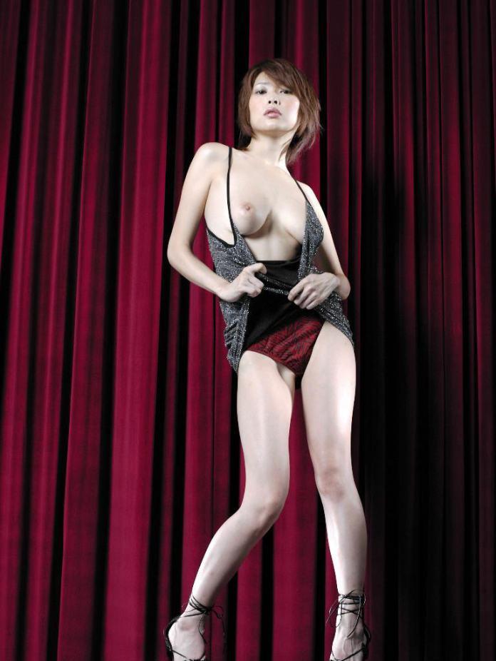 Former-AV-idol-Nana-Natsume-nude-012-by-ohfree.net_ Japanese film actress, former AV idol Nana Natsume nude sexy leaked