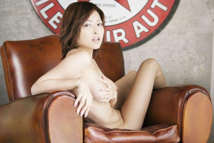 Former-AV-idol-Nana-Natsume-nude-015-by-ohfree.net_ Japanese film actress, former AV idol Nana Natsume nude sexy leaked