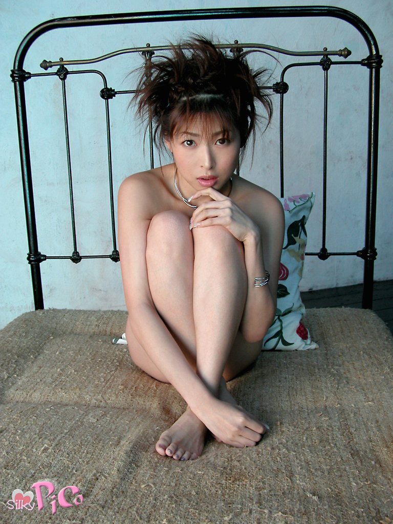 Former-AV-idol-Nana-Natsume-nude-028-by-ohfree.net_ Japanese film actress, former AV idol Nana Natsume nude sexy leaked
