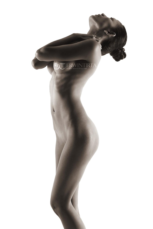 Indonesian-model-Entin-Eva-Kartini-032-by-ohfree.net_ Indonesian model Entin Eva Kartini nude sexy photos leaked