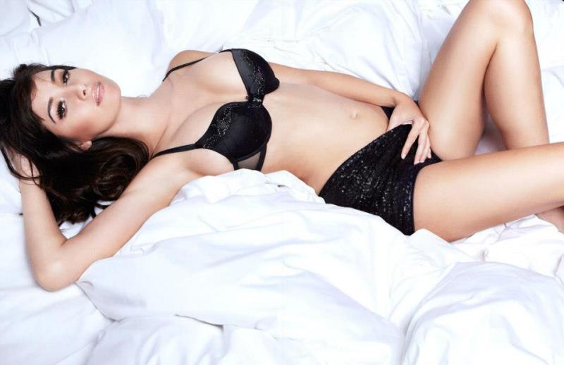 Sara-Malakul-Lane-leaked-nude-sexy-008-by-ohfree.net_ Guam-born English-Thai actress and model Sara Malakul Lane leaked