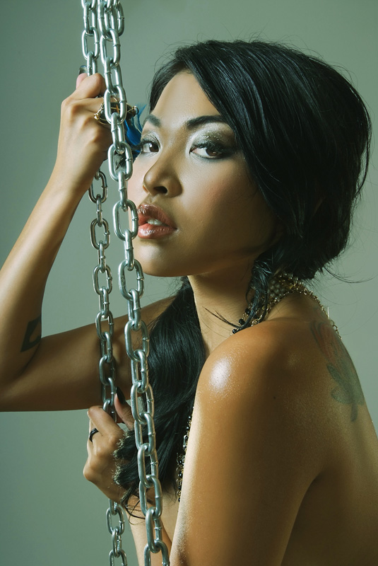 Filipino American musician Mariqueen Maandig leaked nude sexy photos