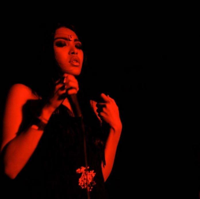 Mariqueen-Maandig-leaked-nude-sexy-010-by-ohfree.net_ Filipino American musician Mariqueen Maandig leaked nude sexy photos