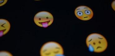 emoji-653309_1280