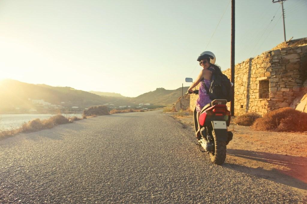 Capacete de moto: escolhe a segurança em primeiro lugar title